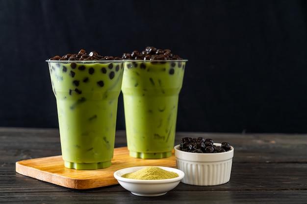 Café com leite de chá verde com bolha