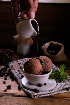 Café com sorvete de chocolate