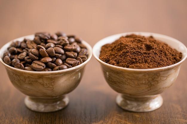Café como feijão e moído