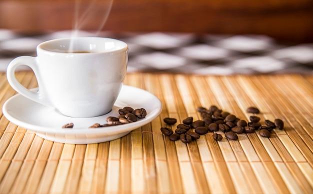 Café conceito isolado perto