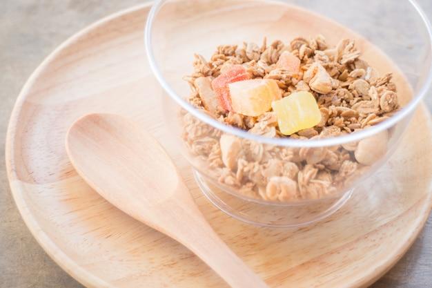 Café da manhã caseiro com frutas secas