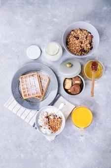 Café da manhã caseiro com granola