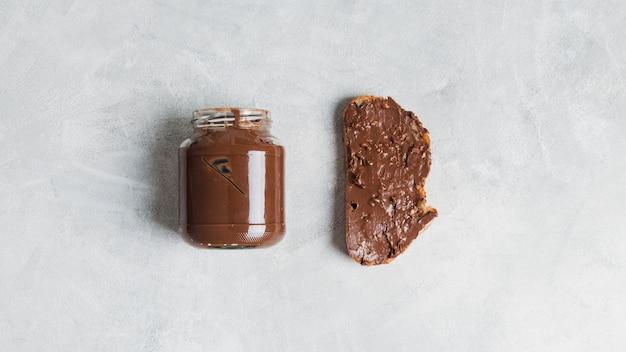 Café da manhã com manteiga de cacau
