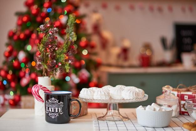 Café da manhã de natal com deliciosas sobremesas