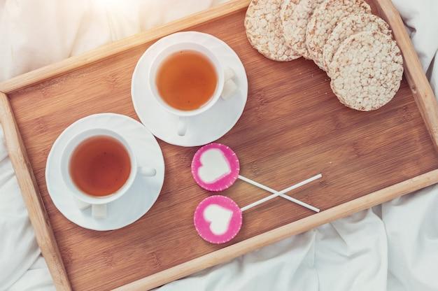Café da manhã na cama no dia dos namorados
