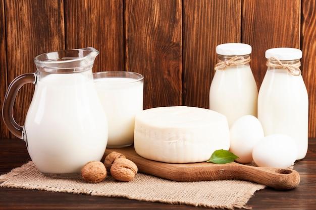 Café da manhã nutritivo baseado em leite