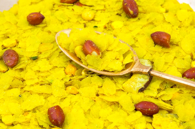 Café da manhã popular picante e friável indiano poha chivda