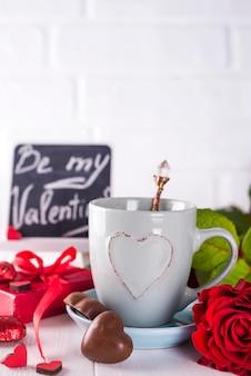 Café da manhã romântico para namorados