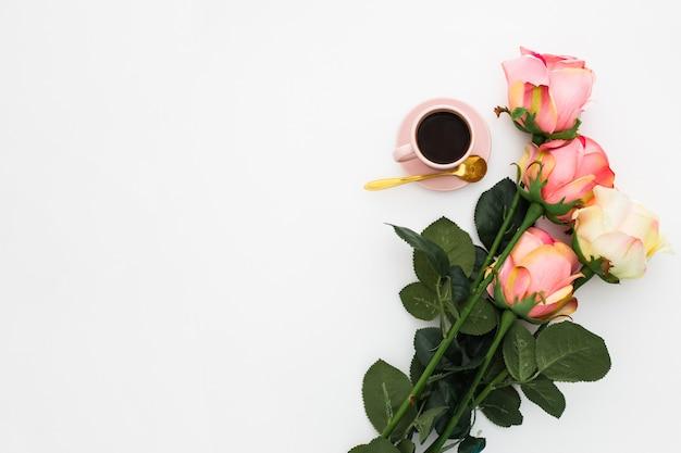 Café da manhã romântico
