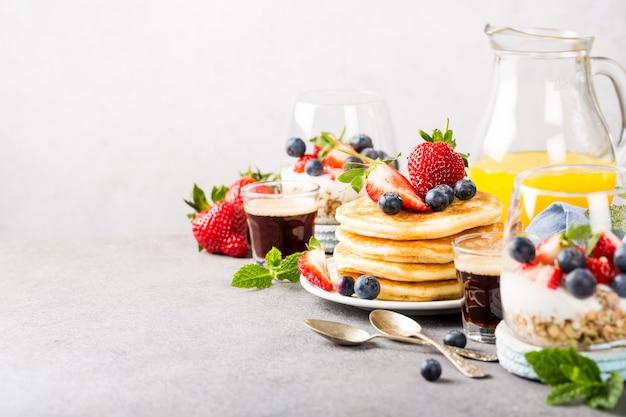 Café da manhã saudável de verão