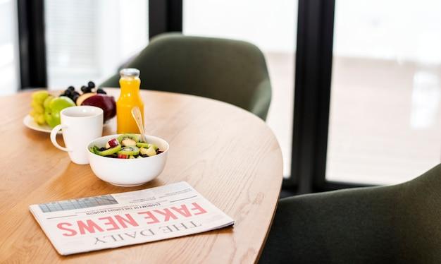 Café da manhã saudável na sala de reuniões