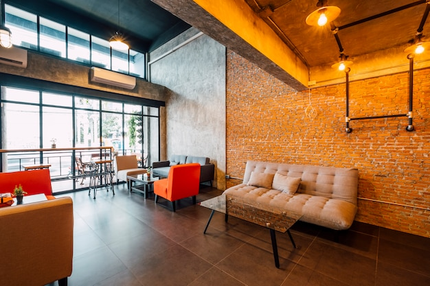 Café e sala de estar estilo loft
