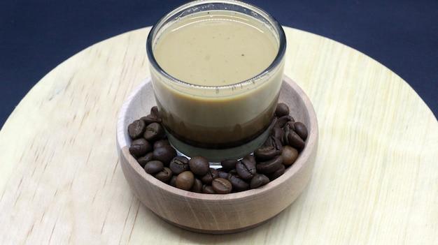 Café expresso, grãos de café, photoshoot