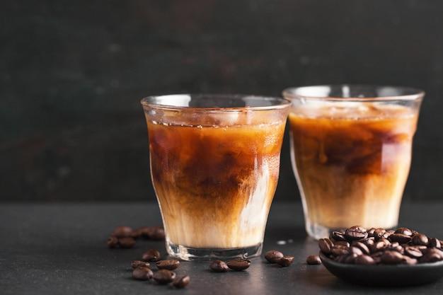 Café gelado em copos