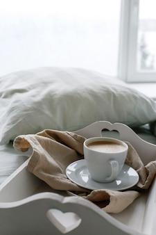Café na cama de manhã