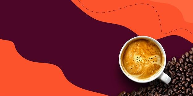 Café quente e grãos em fundo roxo e laranja