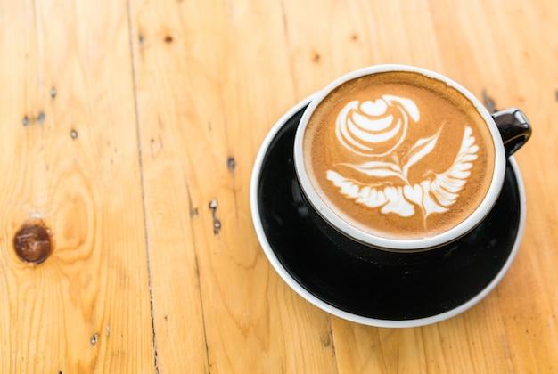Cafeína romantica aroma de madeira de leite