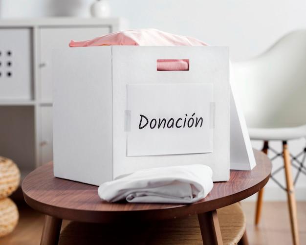 Caixa com doações