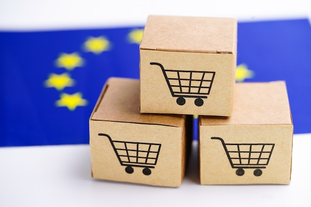 Caixa com logotipo de carrinho de compras e a bandeira da união europeia (ue)