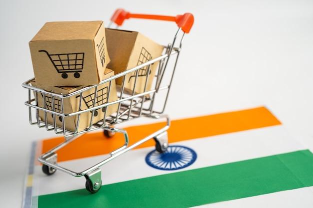 Caixa com logotipo do carrinho de compras e bandeira da índia. importar exportar compras online