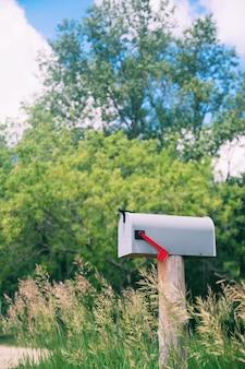 Caixa de correio postal de cascalho da bandeira do recipiente