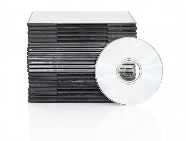 Caixa de dvd com disco em fundo branco
