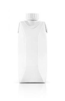 Caixa de embalagem de leite em branco embalagem com tampa de plástico isolada