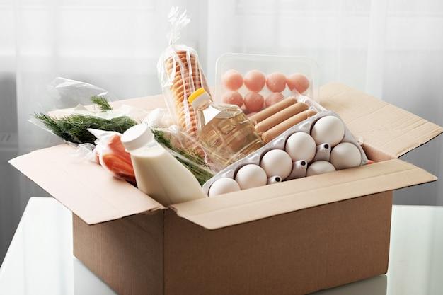 Caixa de entrega de kit de refeição