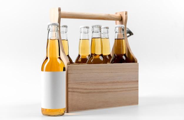 Caixa de frente com garrafas de cerveja