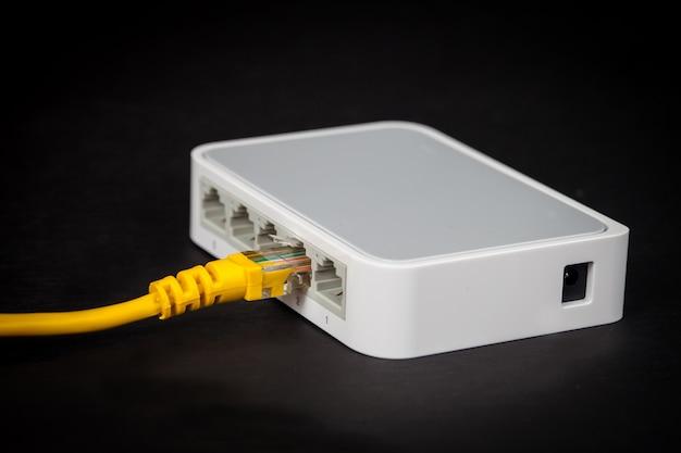 Caixa de hub de comutação para rede de internet