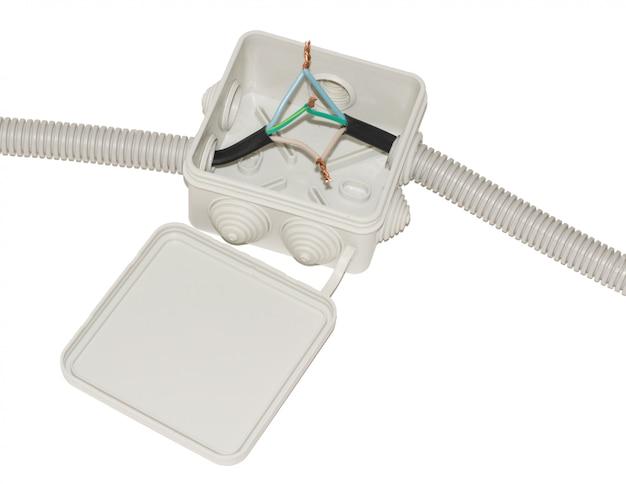 Caixa de junção para fiação elétrica com fios