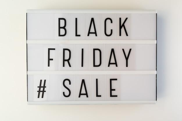 Caixa de luz com texto de venda sexta-feira preta