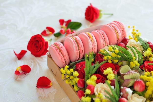 Caixa de macaron francês com flores