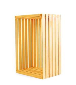 Caixa de madeira em um fundo branco