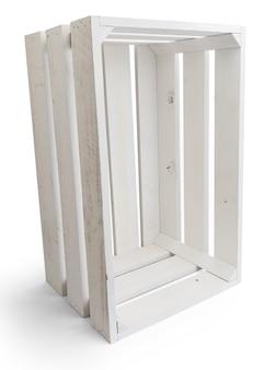 Caixa de madeira vazia de frutas (maçãs) na cor branca. isolado em um fundo branco. visão vertical.