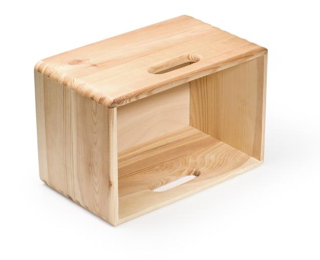 Caixa de madeira vazia isolada no branco