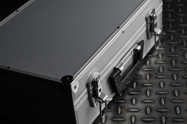 Caixa de metal em caixa de ferro a mala de alumínio em ferro com fechaduras