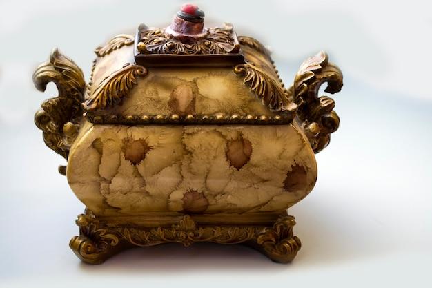 Caixa de moldagem de estuque vintage antigo