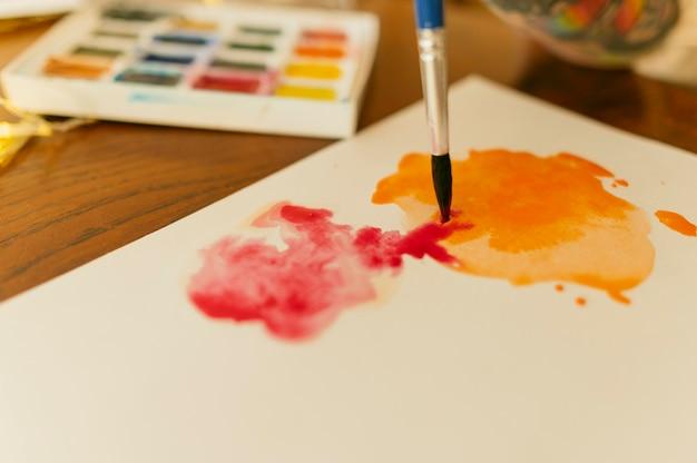 Caixa de paleta de cores e pintura