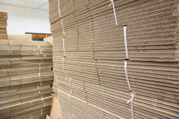 Caixa de papel dobrável para embalagem na fábrica