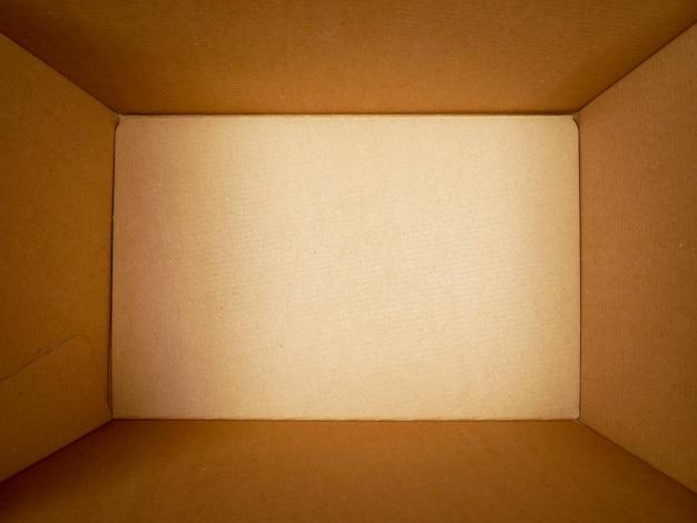 Caixa de papel marrom do fundo da textura, caixa de cartão retangular aberta vazia