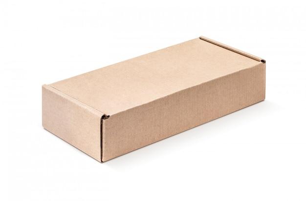 Caixa de papelão kraft isolada