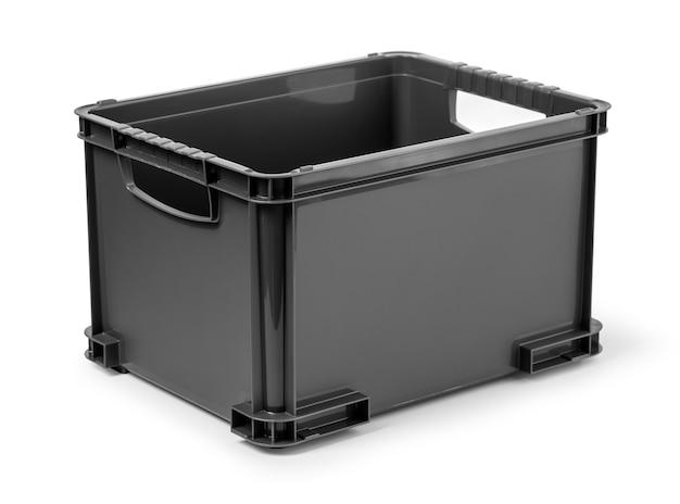 Caixa de plástico preta isolada no branco com traçado de recorte