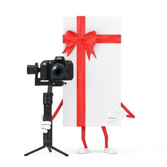 Caixa de presente branca e mascote do caráter da fita vermelha com dslr ou sistema de tripé de estabilização do cardan da câmera de vídeo em um fundo branco. renderização 3d