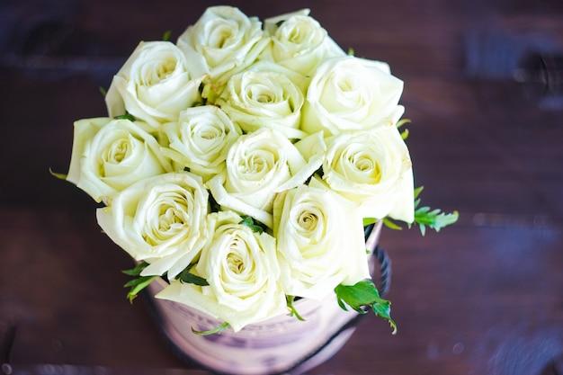 Caixa de presente com rosas