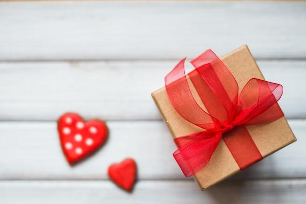Caixa de presente de biscoito de dois corações