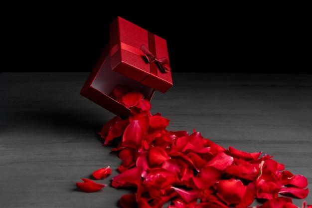 Caixa de presente de feriado quadrado vermelho