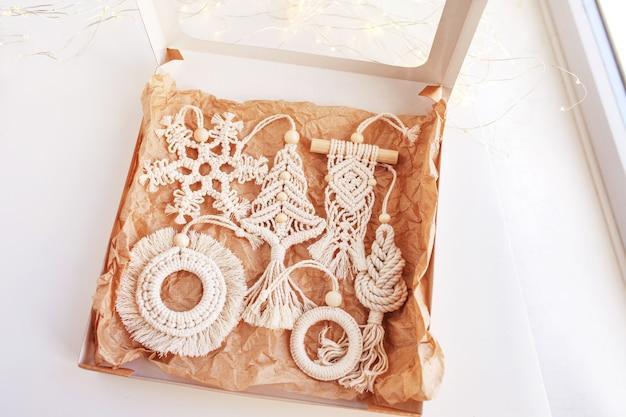 Caixa de presente de natal com decoração macramé decorações ecológicas de natal decoração feita à mão férias de inverno
