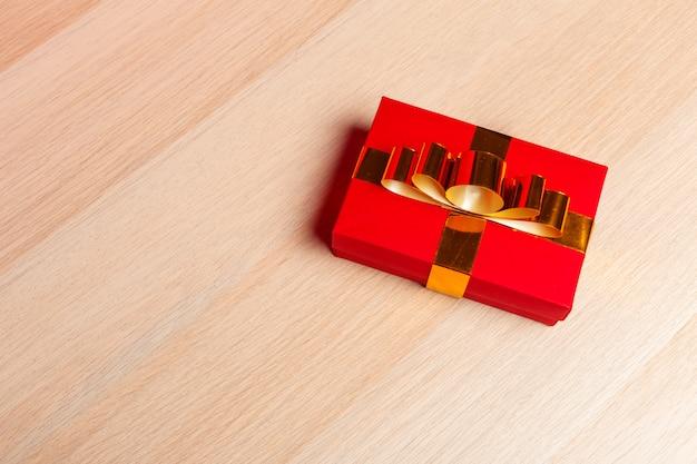 Caixa de presente de natal em tablet