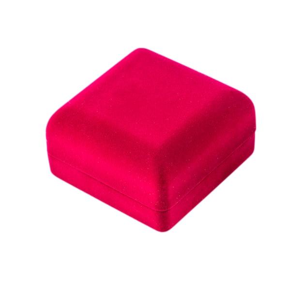 Caixa de presente de veludo vermelho isolada no fundo branco